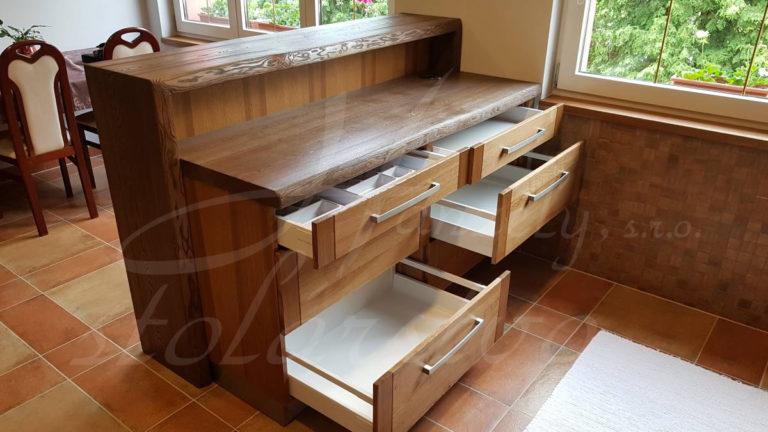 Kuchynská skrinka so zásuvkami